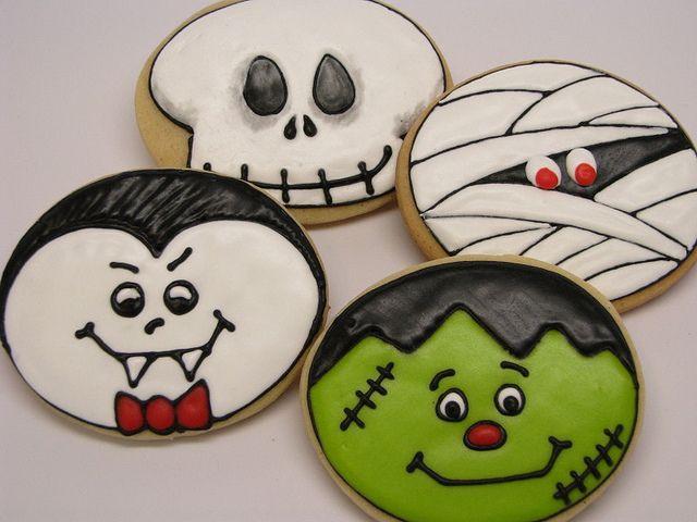 Cute Halloween Cookies  Cookie Crazy Cute Halloween designs using a round cutter
