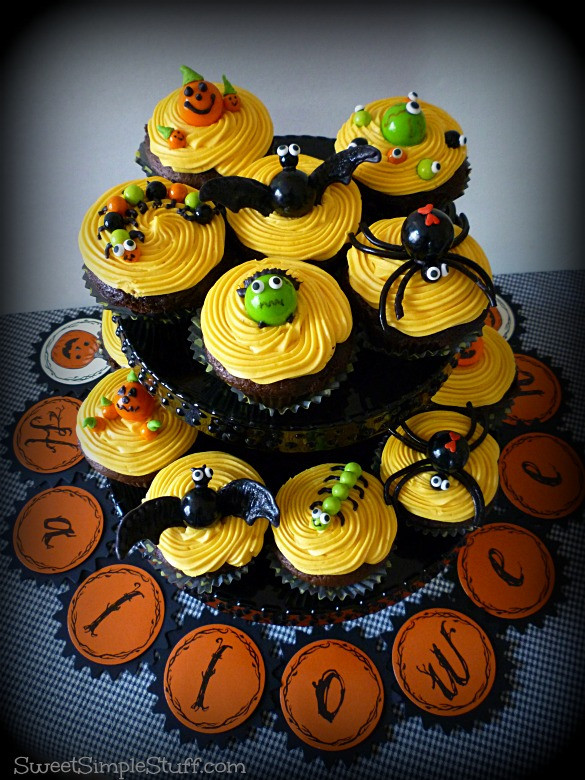 Cute Halloween Cupcakes  Halloween Cupcakes … cute and not too scary