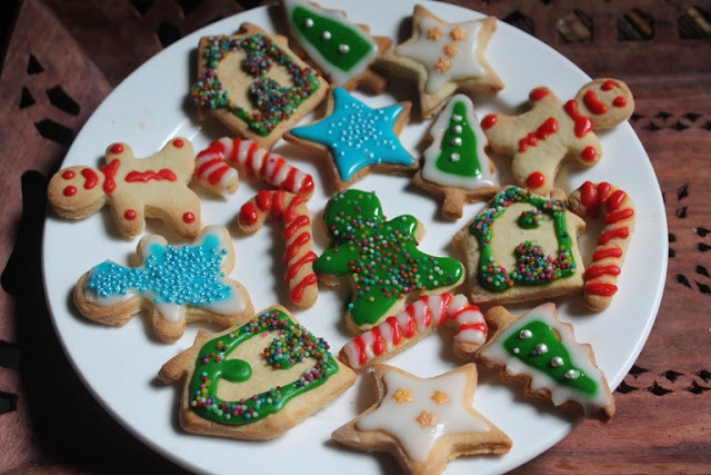 Decorated Christmas Cookies Recipes  YUMMY TUMMY Glazed Sugar Cookies Recipe Decorated