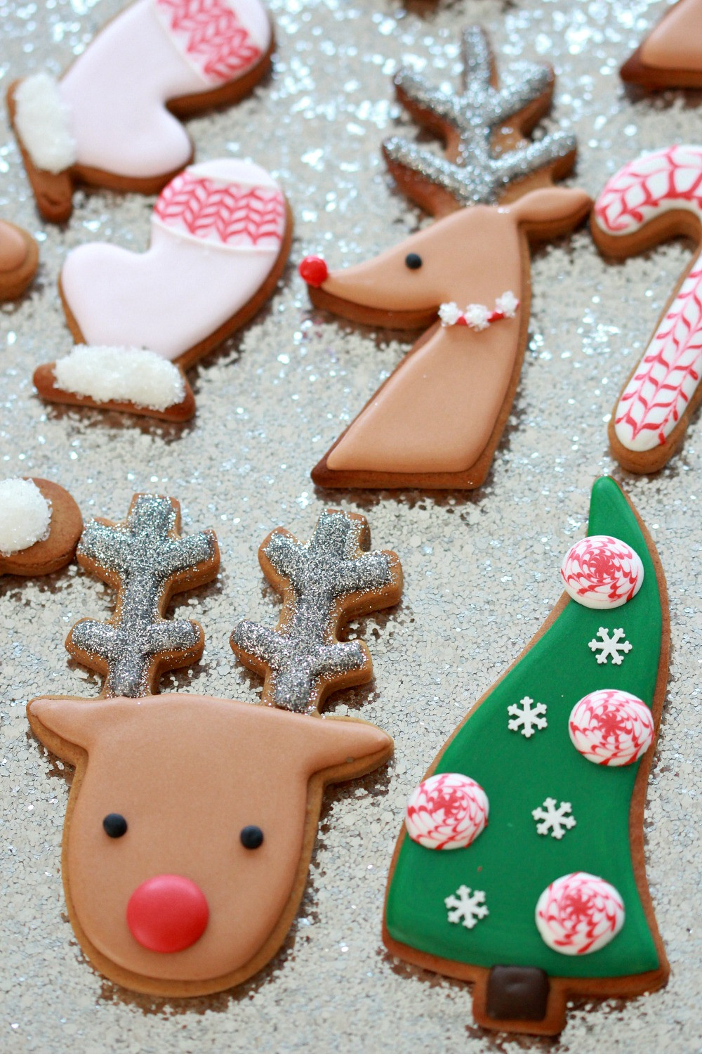 Decorating Christmas Cookies  Video How to Decorate Christmas Cookies Simple Designs