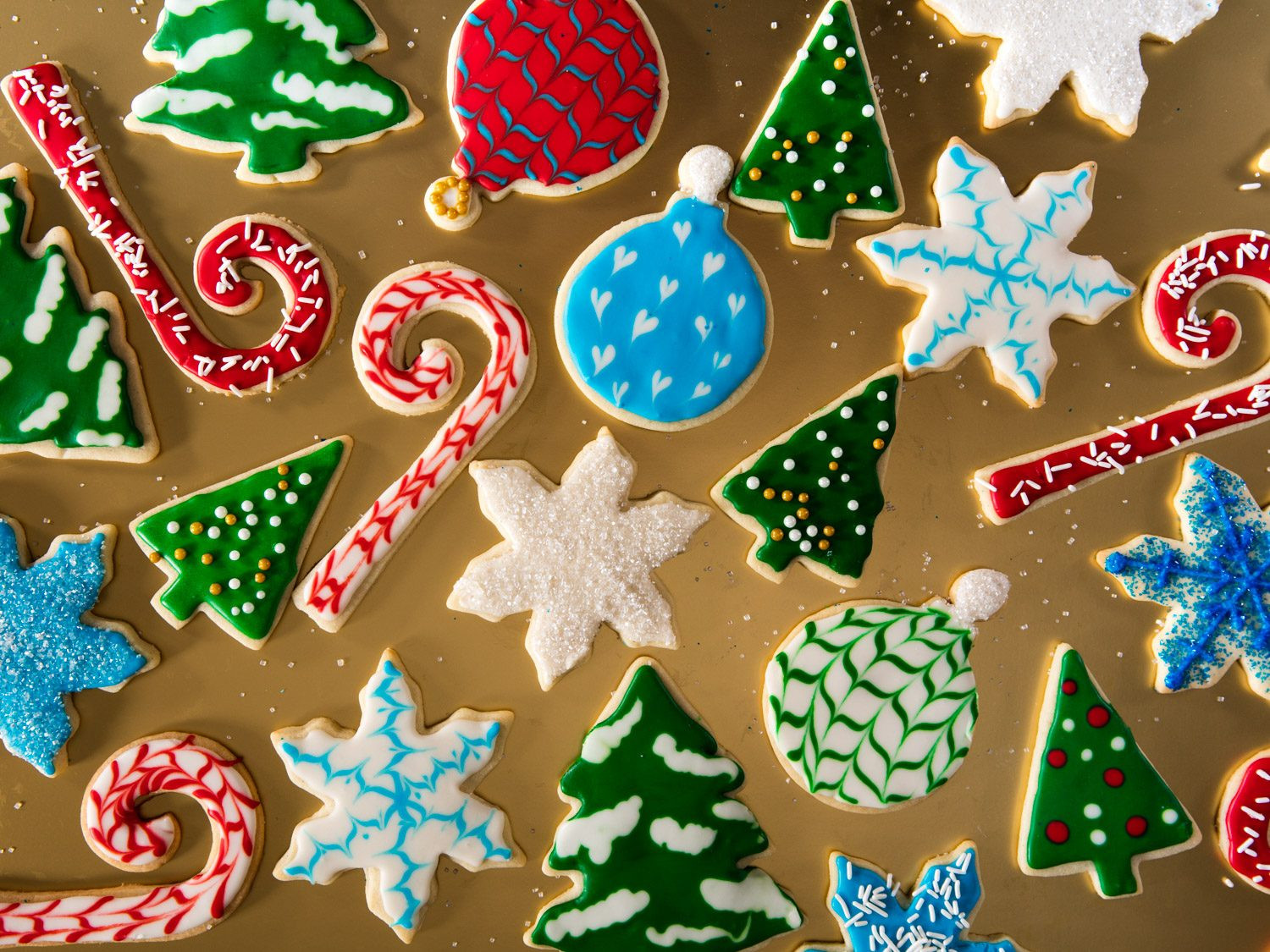 Decorating Christmas Cookies  A Royal Icing Tutorial Decorate Christmas Cookies Like a
