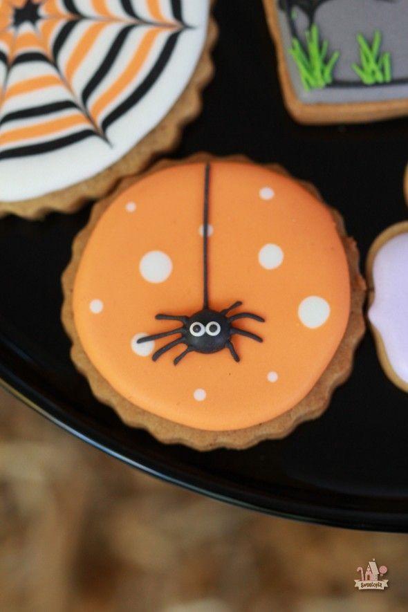 Decorating Halloween Cookies  Halloween Spider Decorated Cookie Sweetopia