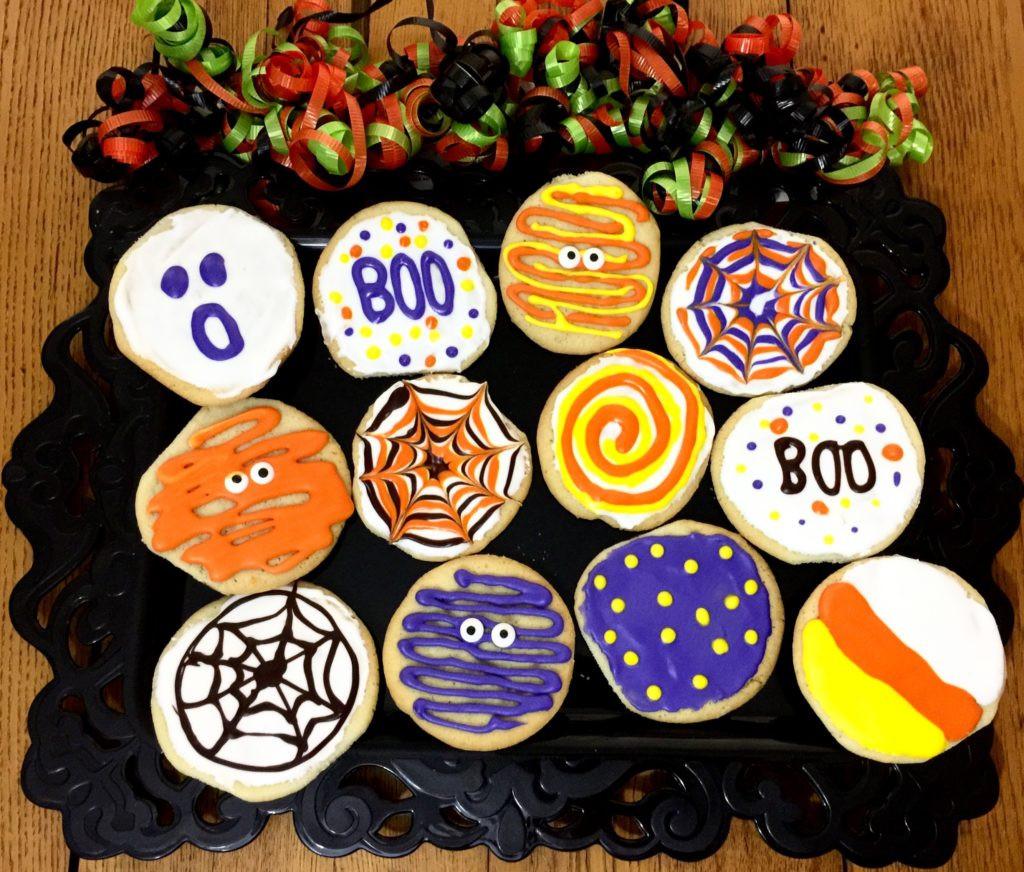 Decorating Halloween Cookies  Decorating Halloween Sugar Cookies