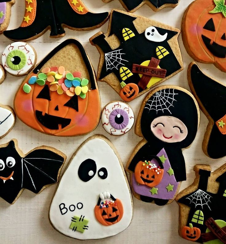 Decorating Halloween Cookies  17 Best images about Cookie Decorating Ideas on Pinterest