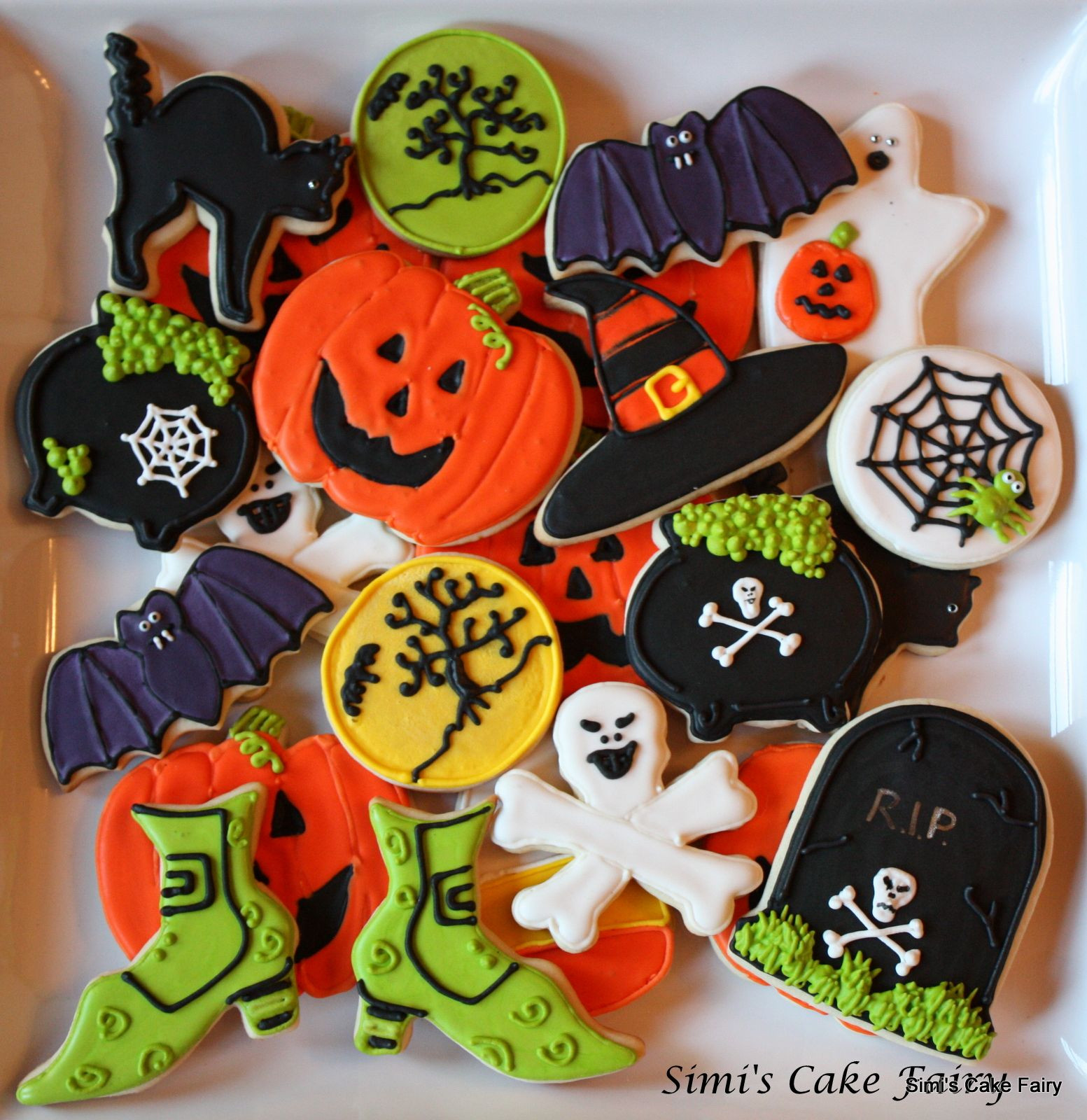 Decorating Halloween Cookies  Halloween cookies