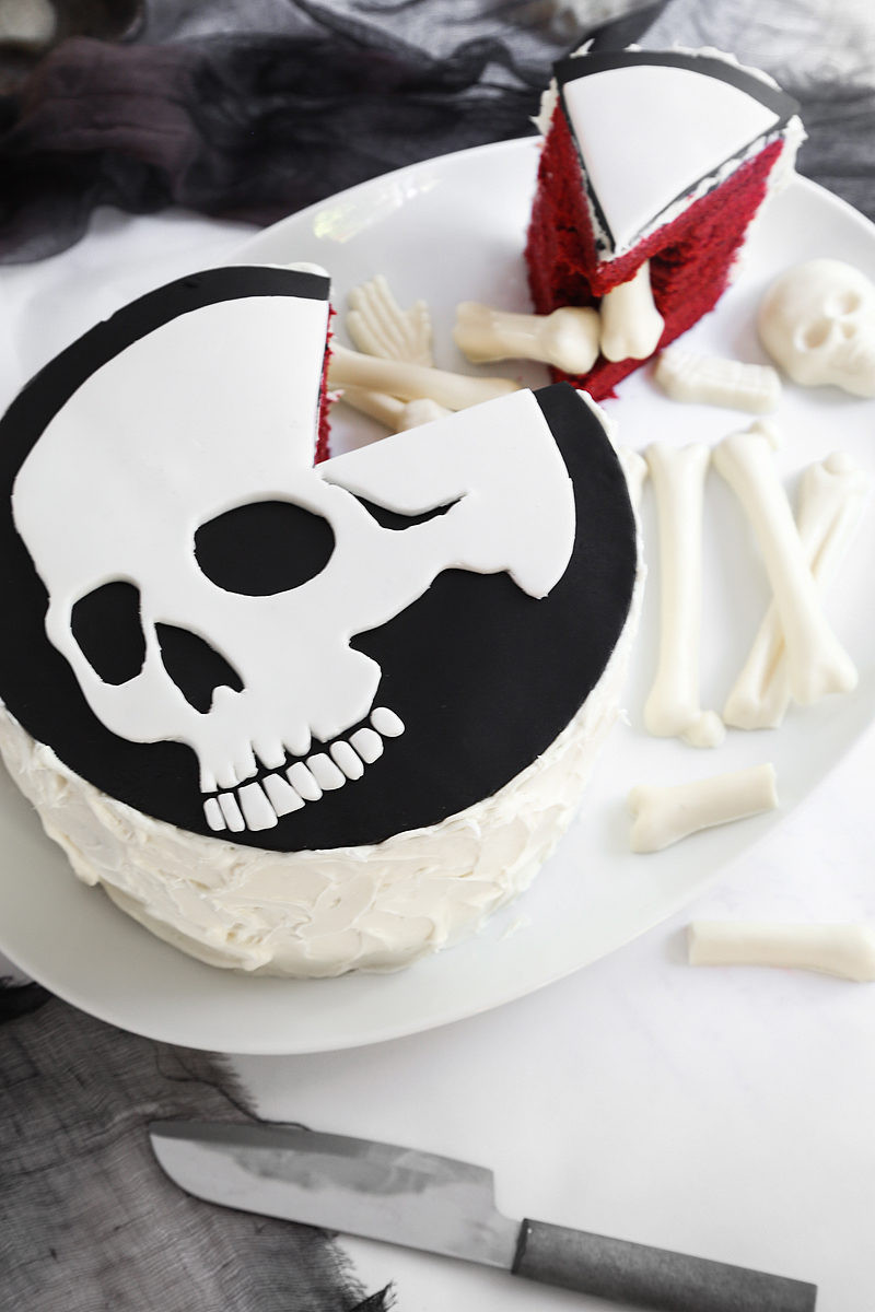Diy Halloween Cakes  Delicious DIY Desserts for Your Halloween Soiree