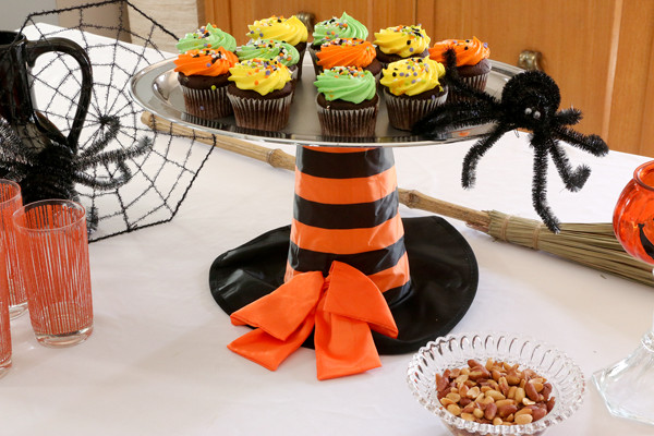 Diy Halloween Cupcakes  DIY Make This Halloween Themed Cupcake Stand Goodwill