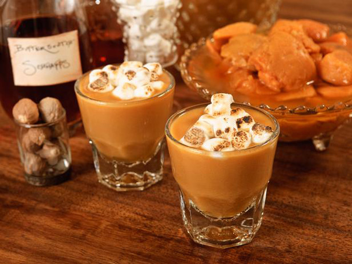 Drinks For Thanksgiving  Tasty Thanksgiving Cocktail Recipes by Rachel Maddow