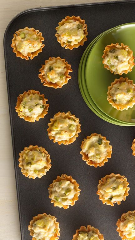 Easy Christmas Appetizers For A Crowd  Need an easy appetizer for a holiday crowd This big batch