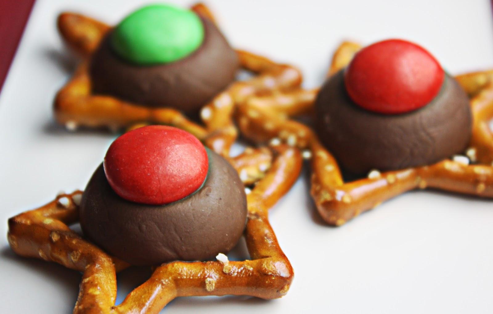Easy Christmas Cookies  Lilyshaw Christmas Cookies