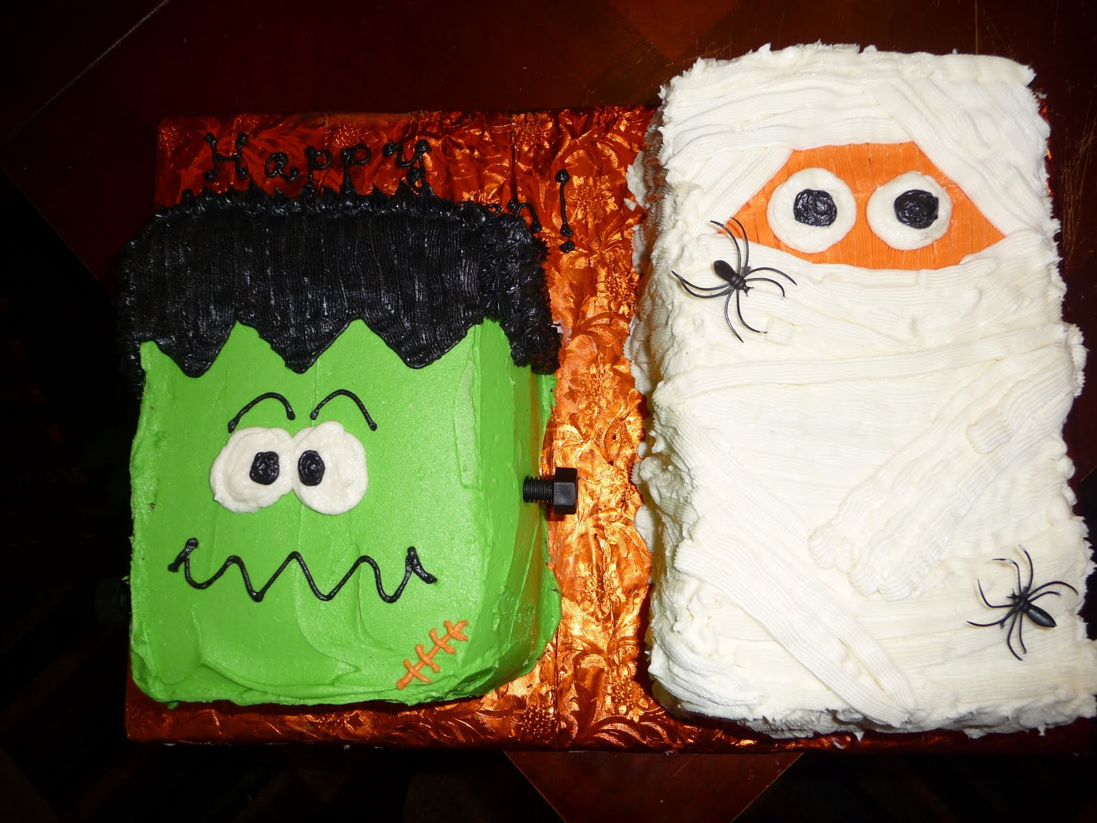 Easy Halloween Cakes Ideas  Dreaming in Buttercream Happy Halloween