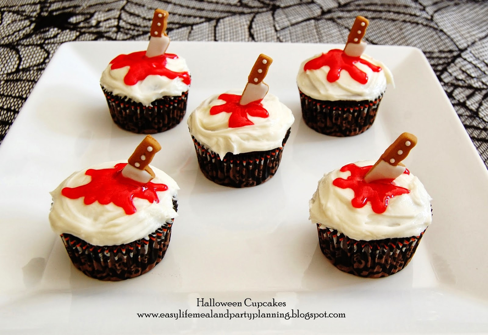 Easy Halloween Cupcakes Decorations  Easy Life Meal and Party Planning October 2013