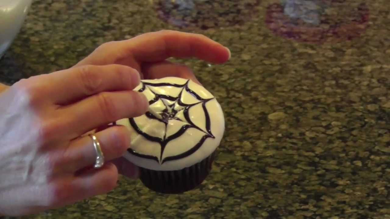 Easy Halloween Cupcakes Decorations  Halloween Cupcake Decorating Ideas