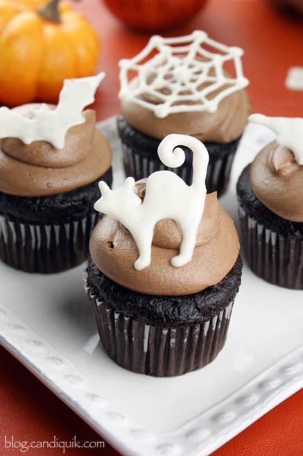 Easy Halloween Cupcakes  Easy DIY Halloween Cupcake Toppers