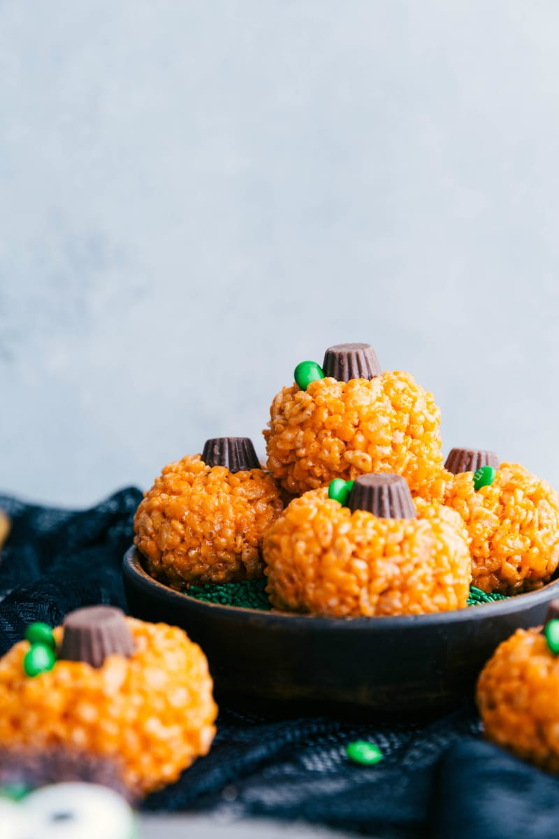 Easy Halloween Desserts  Halloween Treats