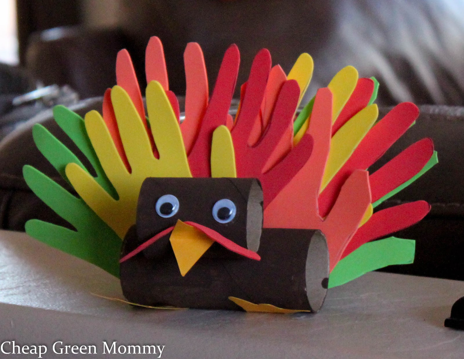 Easy Thanksgiving Turkey  Cheap Green Mommy Easy Thanksgiving Turkey Kid Craft