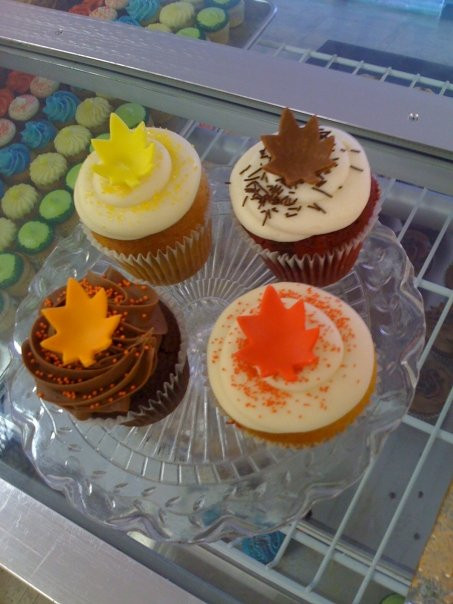 Fall Cupcakes Ideas  Clyde s Cupcake Magic Fall Cupcake Ideas