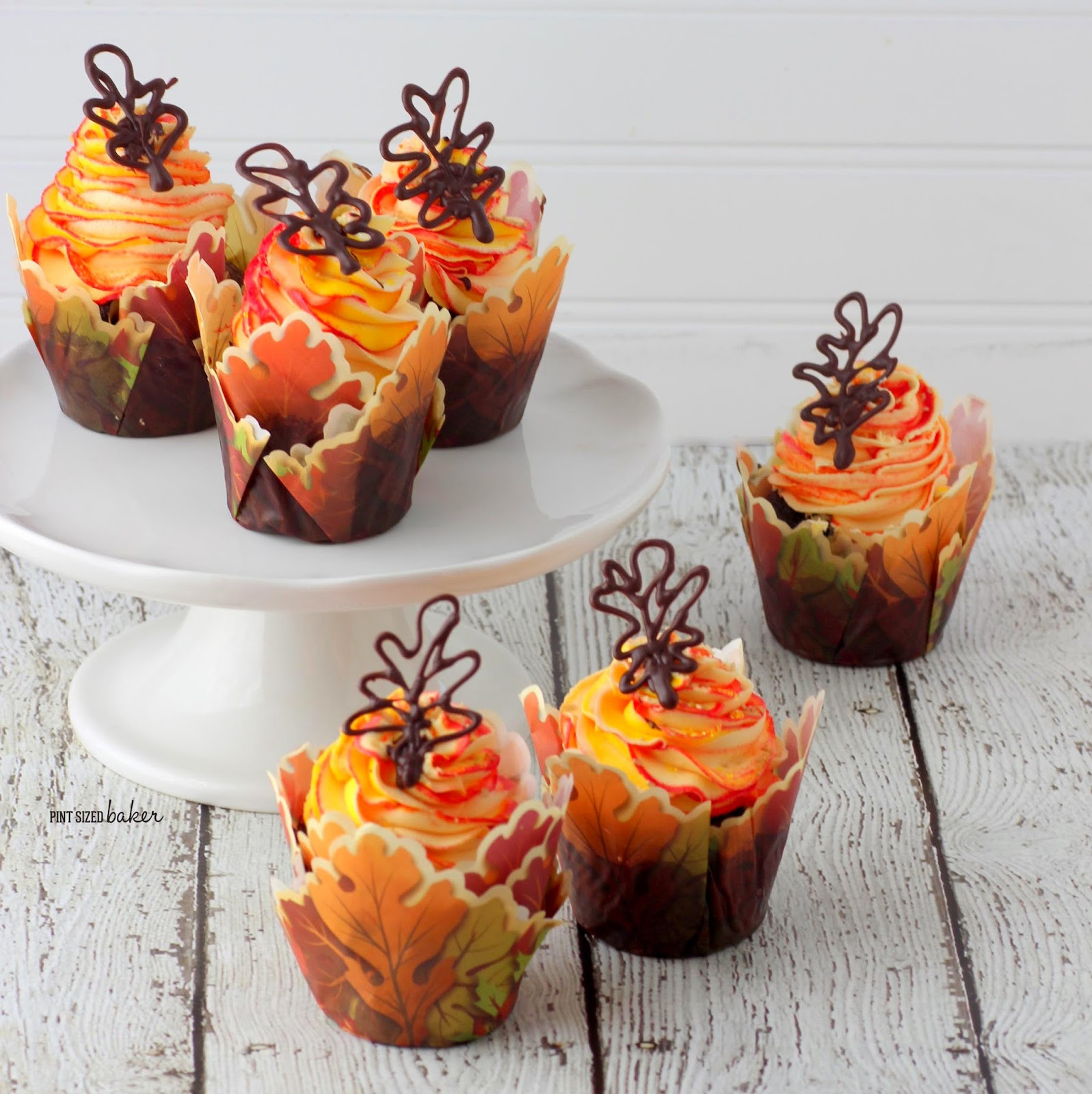 Fall Cupcakes Ideas  Our Most Favorite Fall and Thanksgiving Cakes & Designs