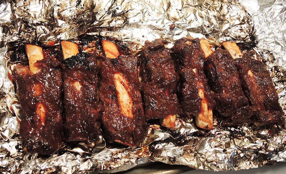 Fall Off The Bone Beef Ribs  beef ribs in the oven by man fuel