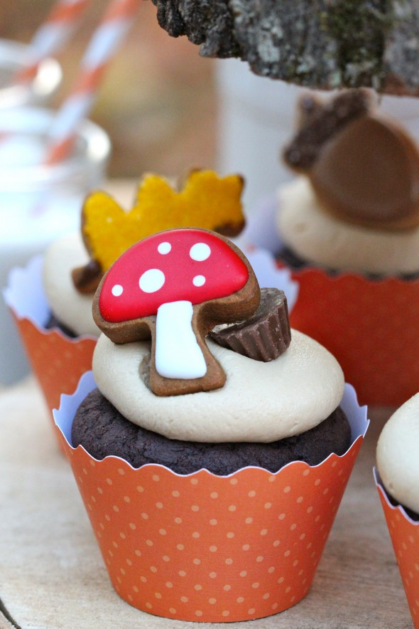 Fall Themed Cupcakes  Fall Favorite Cupcake & Cookie Ideas