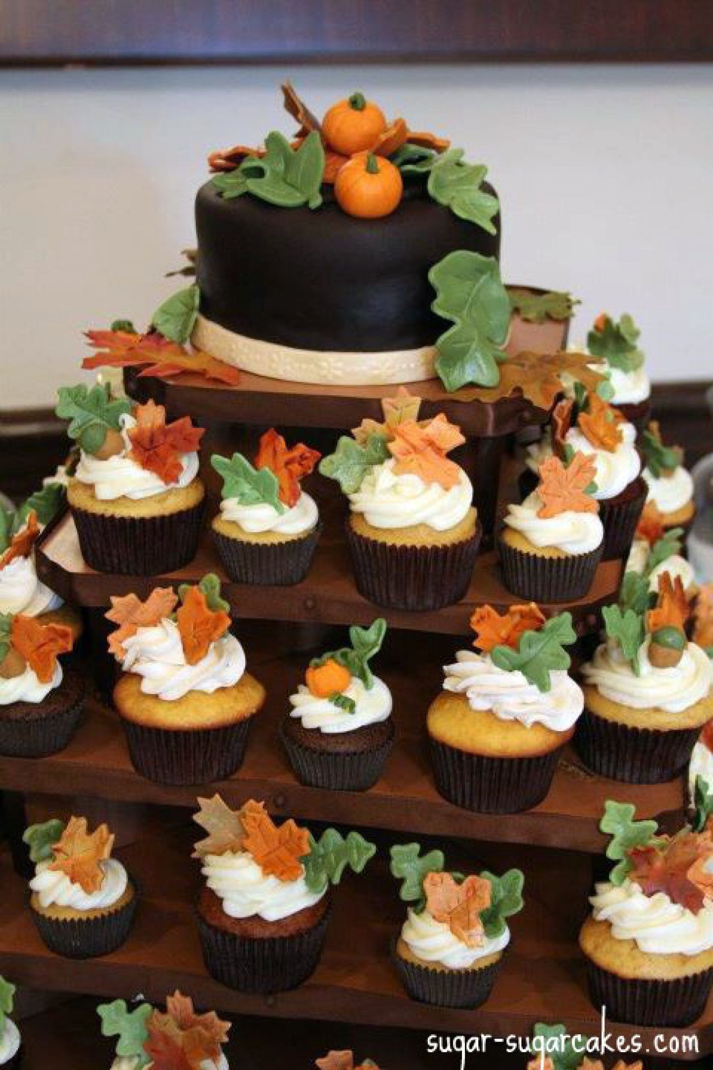Fall Themed Cupcakes  thanksgiving cupcake cakes
