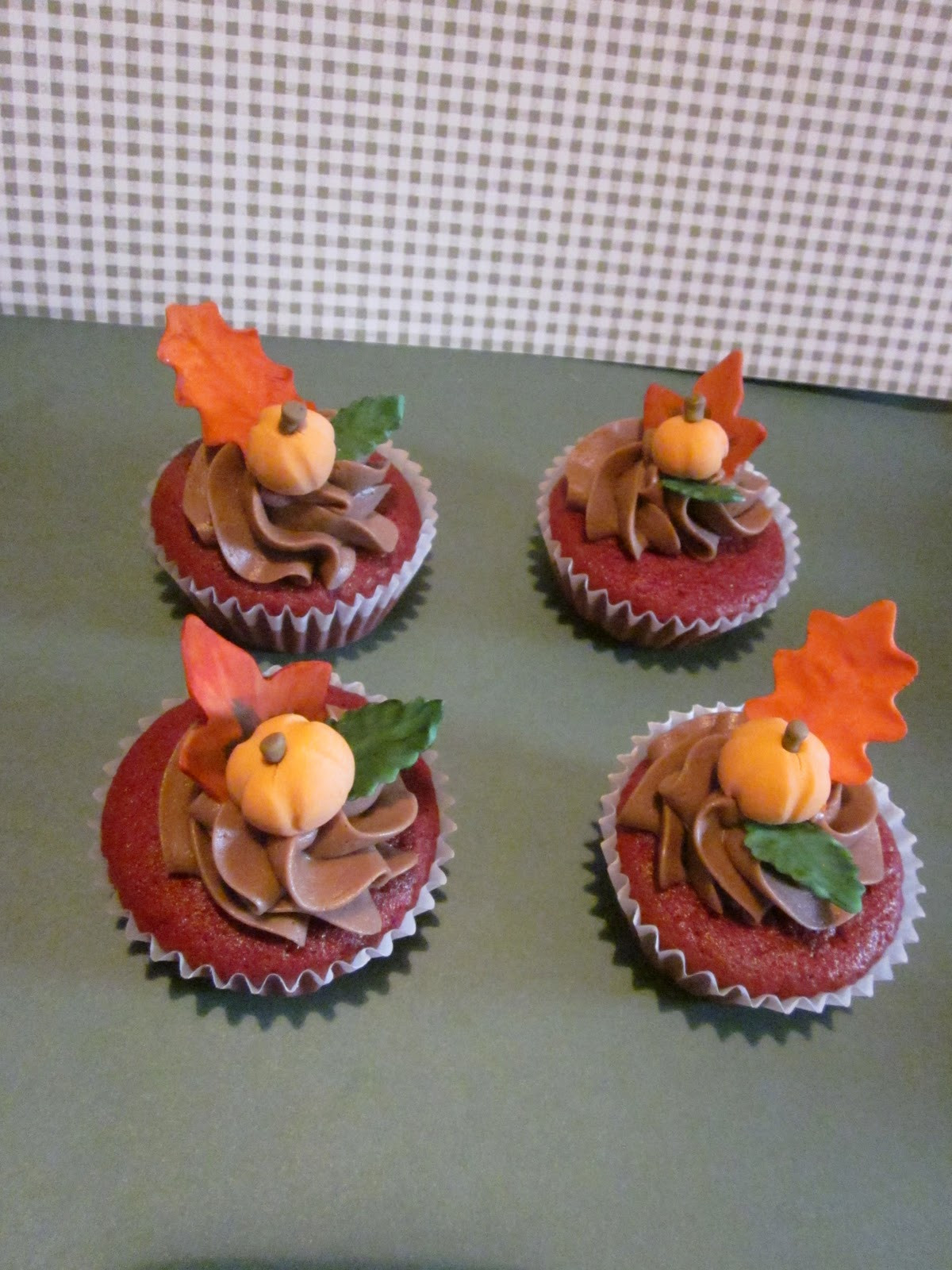 Fall Themed Cupcakes  Second Generation Cake Design Fall Themed Cupcakes