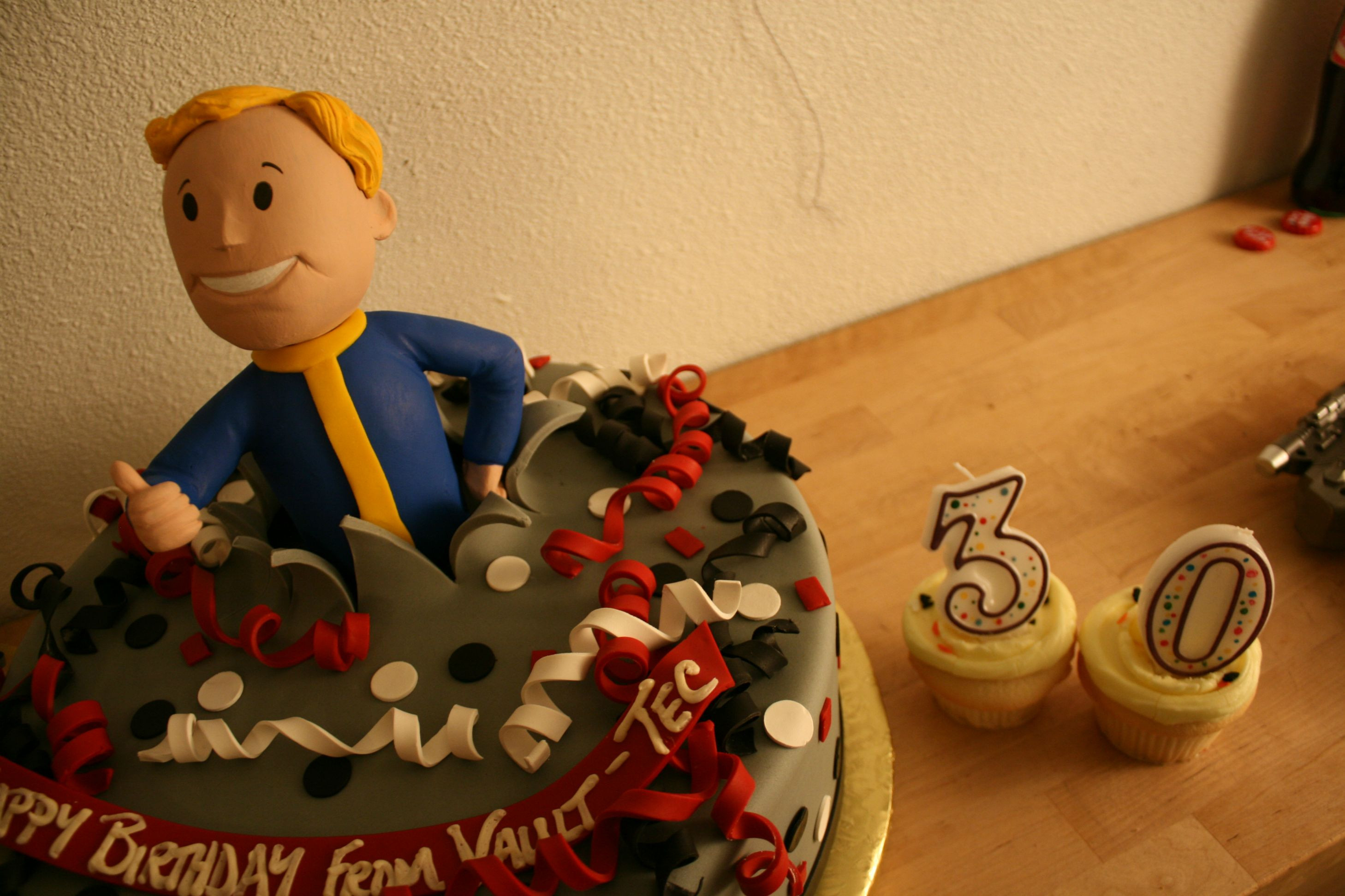 Fallout Birthday Cake  Man Turns Basement Into Fallout Vault For Birthday Party