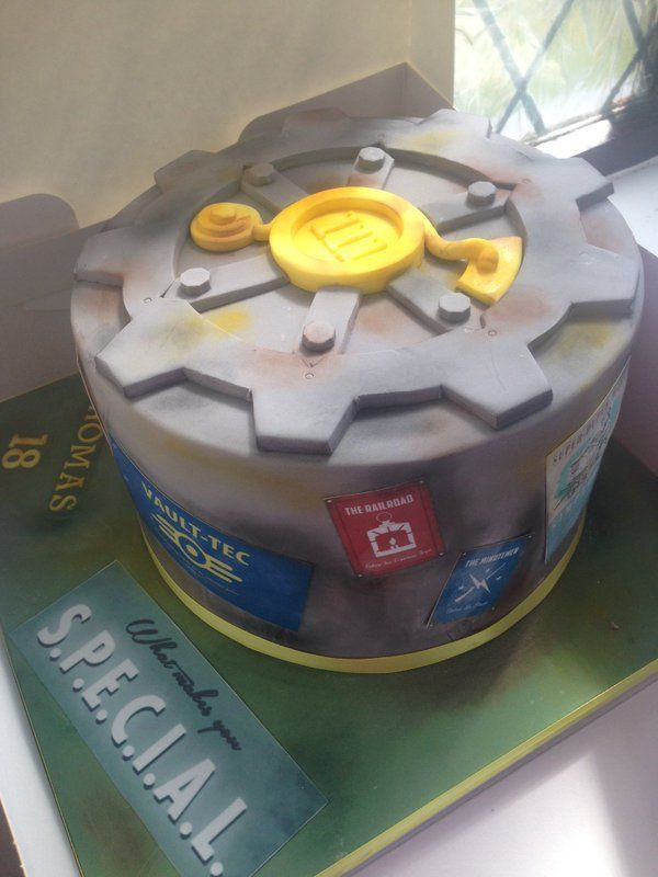 Fallout Birthday Cake  17 best images about Party Fallout on Pinterest