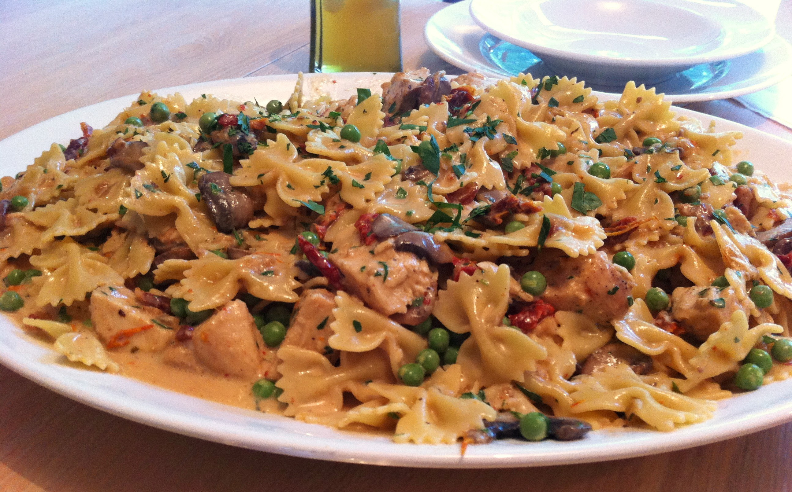 Farfalle With Chicken And Roasted Garlic  Chicken and Farfalle Pasta in a Roasted Garlic Cream Sauce