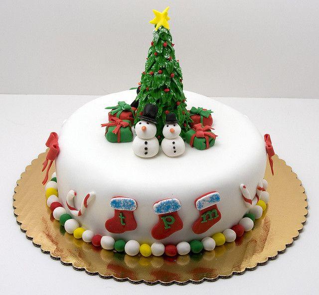 Fondant Christmas Cakes  1000 ideas about Fondant Christmas Cake on Pinterest
