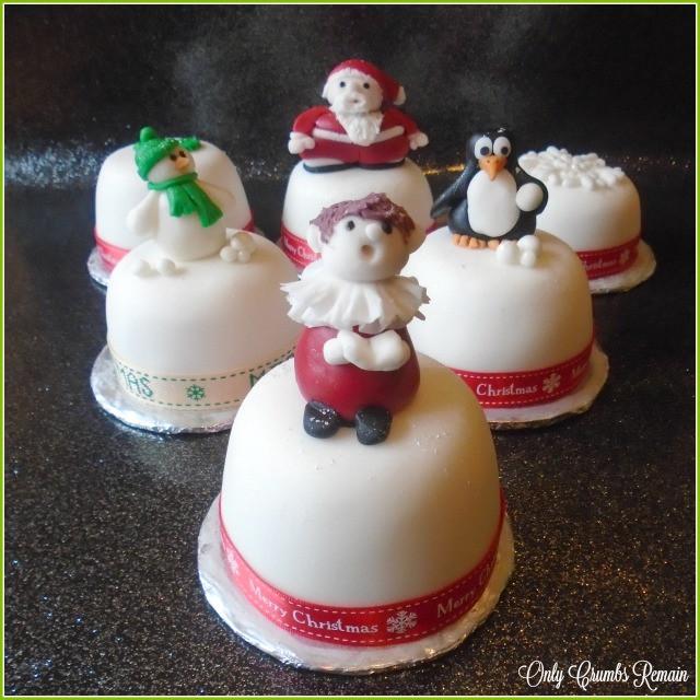 Fondant Christmas Cakes  ly Crumbs Remain Mini Christmas Cakes