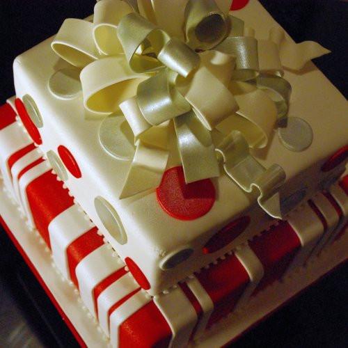 Fondant Christmas Cakes  Holiday Christmas Cake with Fondant Bow