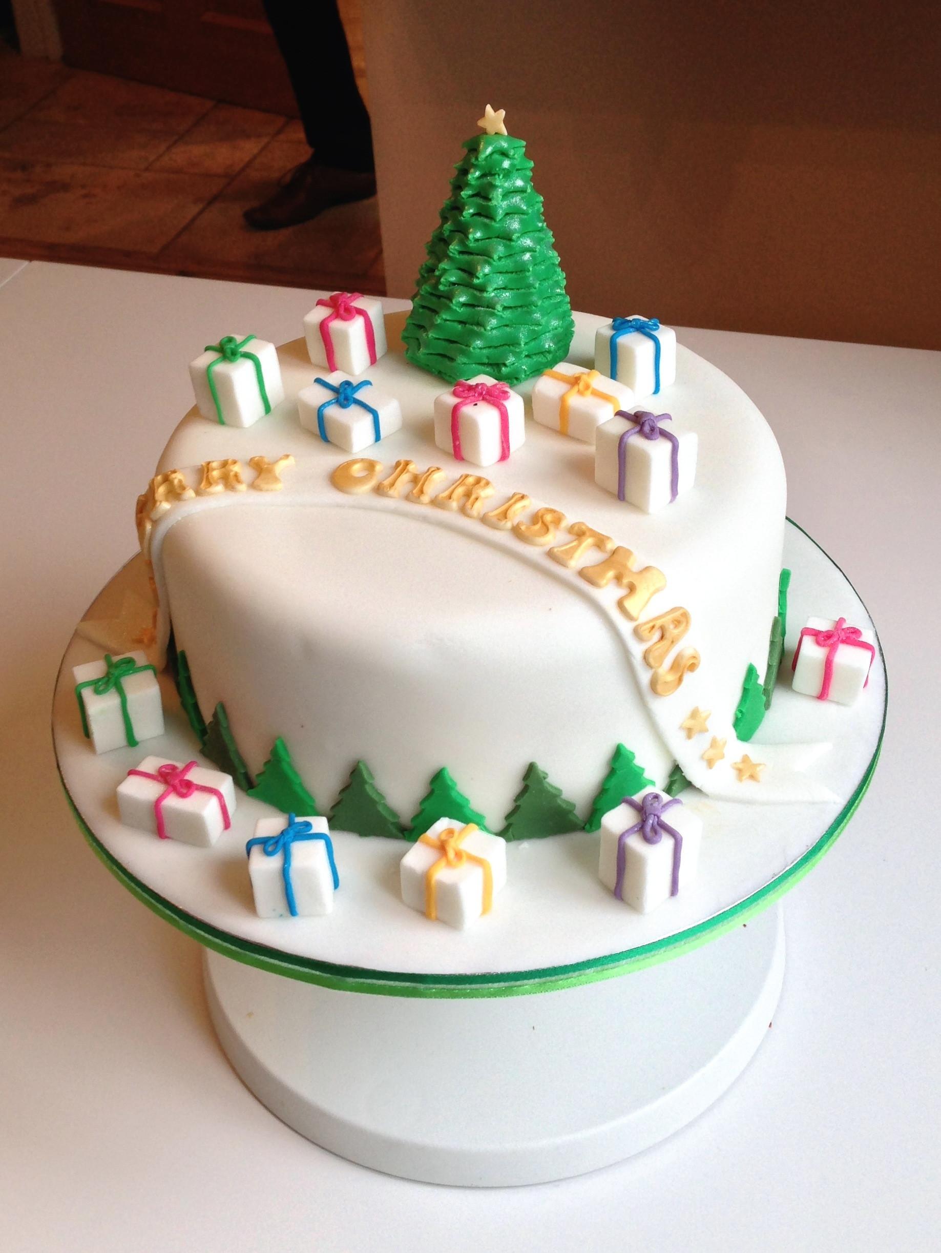 Fondant Christmas Cakes  Christmas Cake 2013