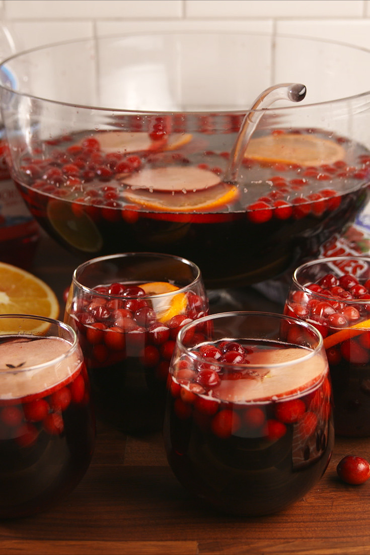 Fun Thanksgiving Drinks  30 Best Thanksgiving Cocktails Easy Recipes for