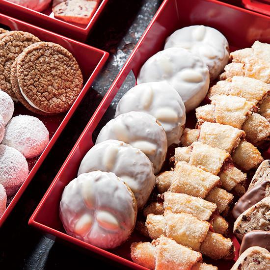 German Christmas Cookies  5 Classic German Christmas Cookies