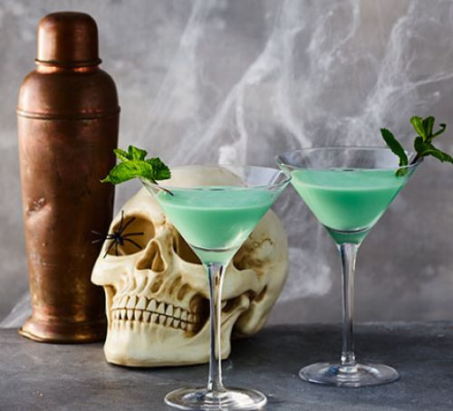 Good Halloween Drinks  Halloween cocktail recipes