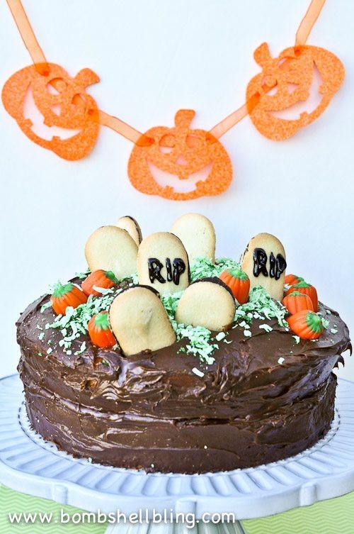 Graveyard Cakes Halloween  Halloween Graveyard Cake