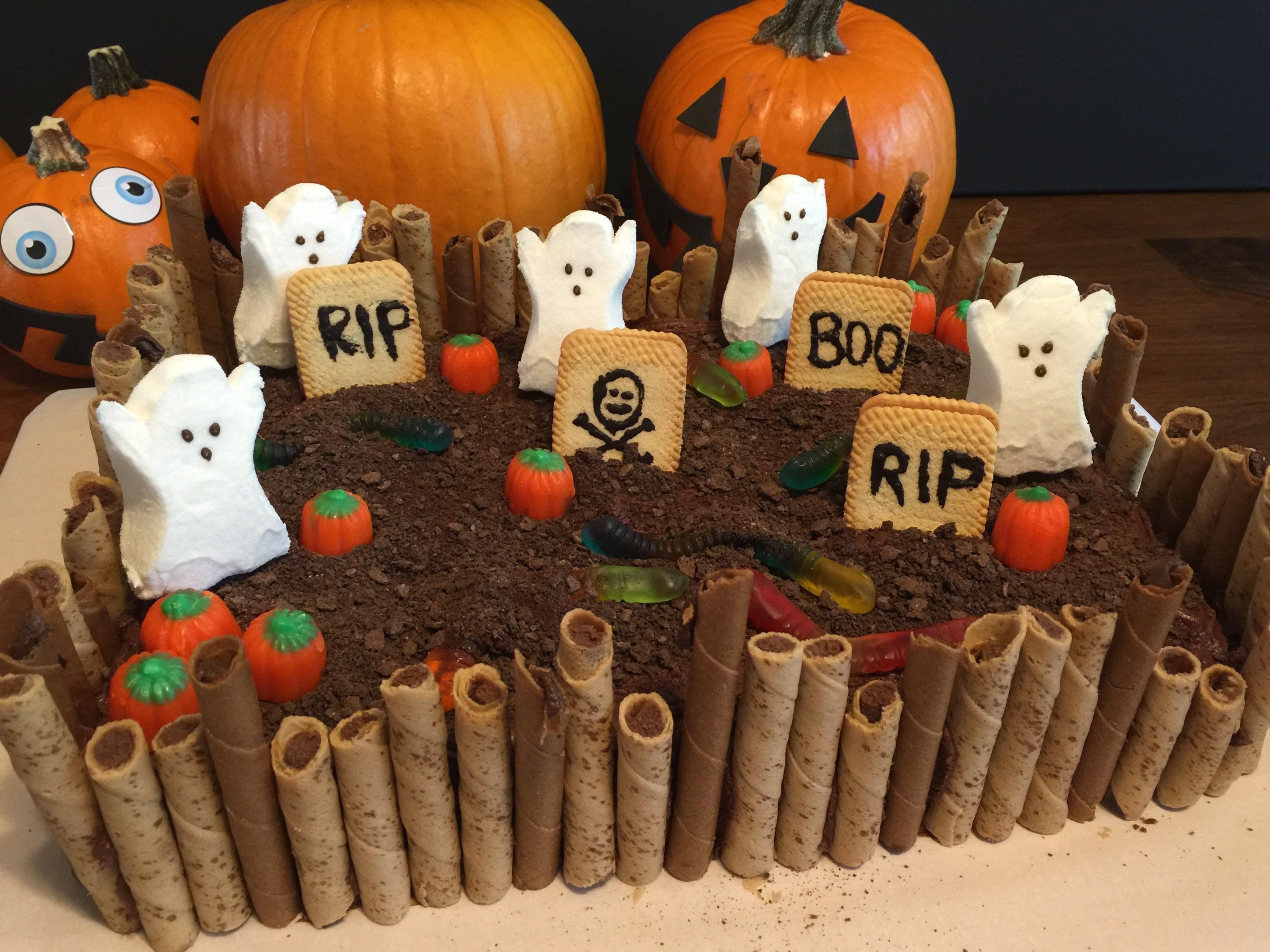 Graveyard Cakes Halloween  Spooky Halloween Graveyard Cake – Creative Super Girl