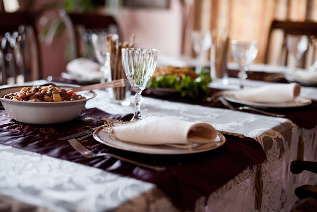 Great Fall Dinners  Tips for Hosting a Great Fall Dinner Party