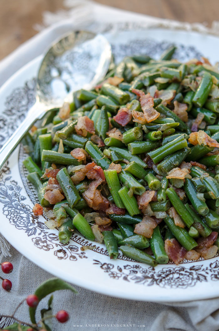 Green Bean Recipes For Thanksgiving  Bacon Green Beans and 12 More Delicious Thanksgiving Side