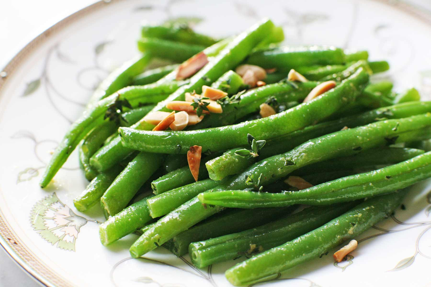 Green Bean Recipes For Thanksgiving  Green Beans with Almonds and Thyme Recipe