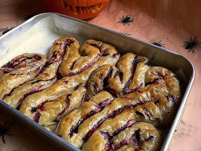 Gross Halloween Desserts  Gross Halloween Treats That Will Make Your Guests Gag 18