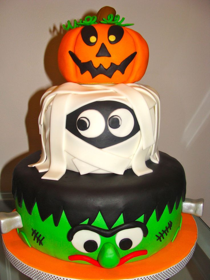 Halloween Birthday Cake Pictures  Best 25 Halloween birthday cakes ideas on Pinterest