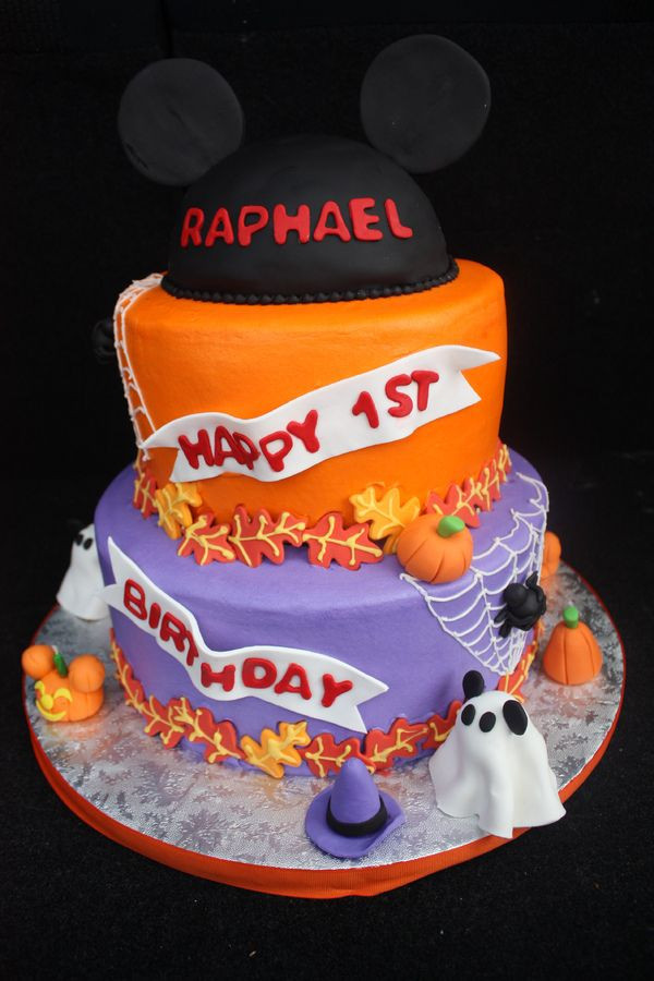 Halloween Birthday Cakes For Kids  Best 25 Scary halloween cakes ideas on Pinterest