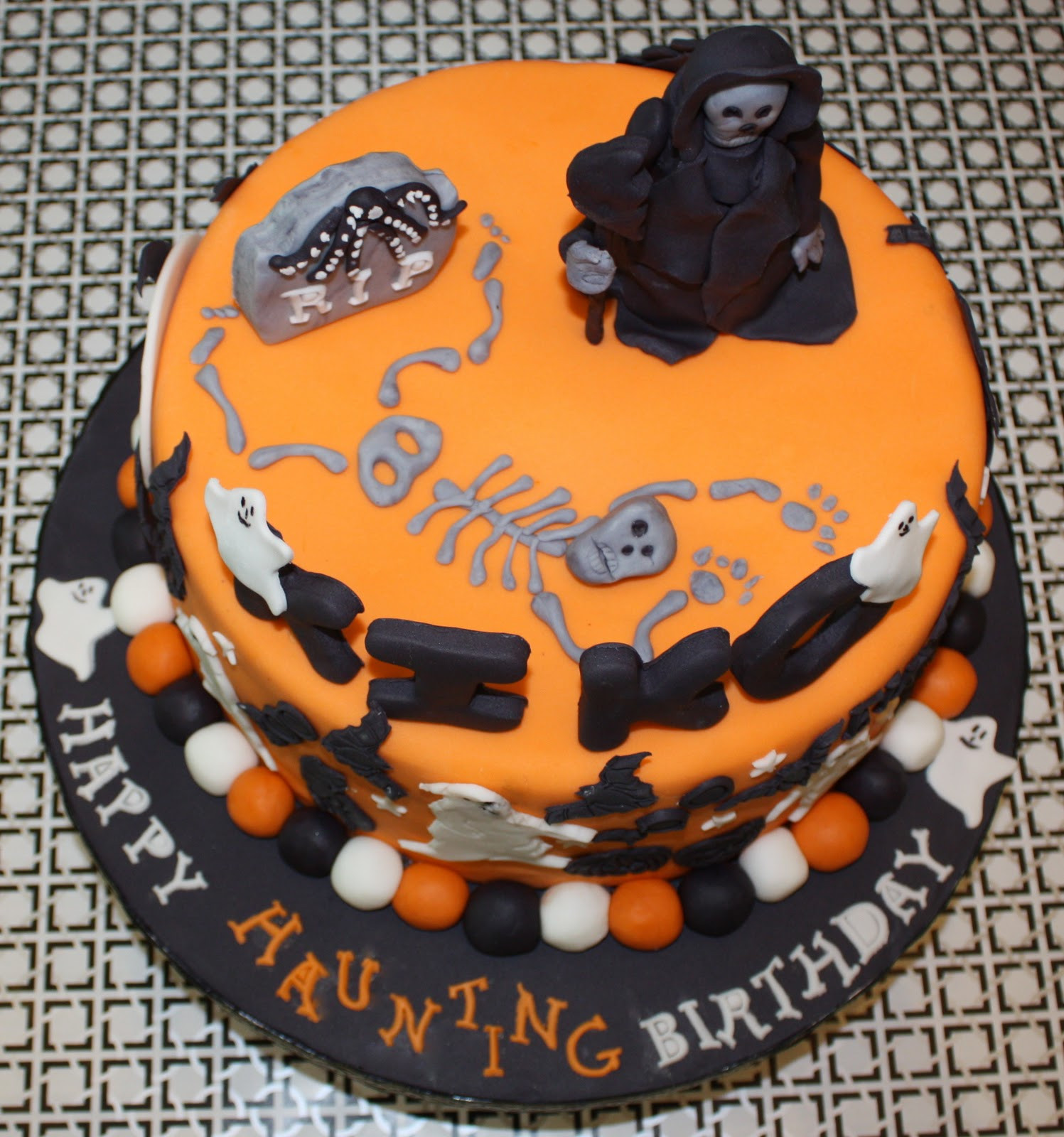 Halloween Birthday Cakes Pictures  HALLOWEEN BIRTHDAY CAKE
