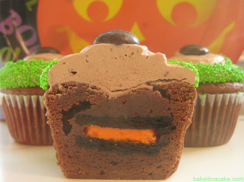 Halloween Brownie Cupcakes  365daysofhalloween Halloween Oreo Brownie Cupcakes with