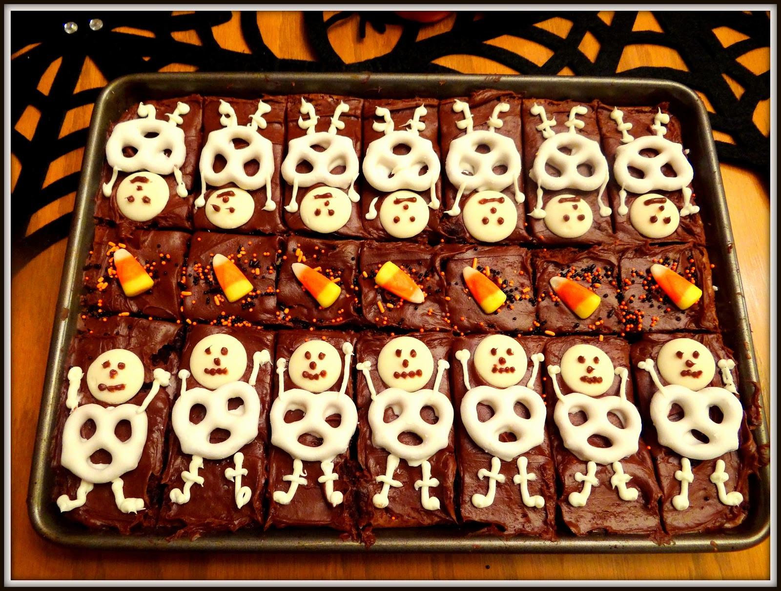 Halloween Brownies Decorating  Weekday Chef Halloween Cupcakes and Skeleton Brownies
