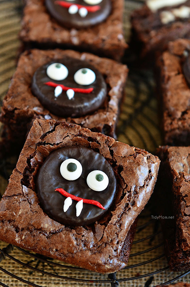 Halloween Brownies Ideas  Mint Vampire Brownies Eighteen25