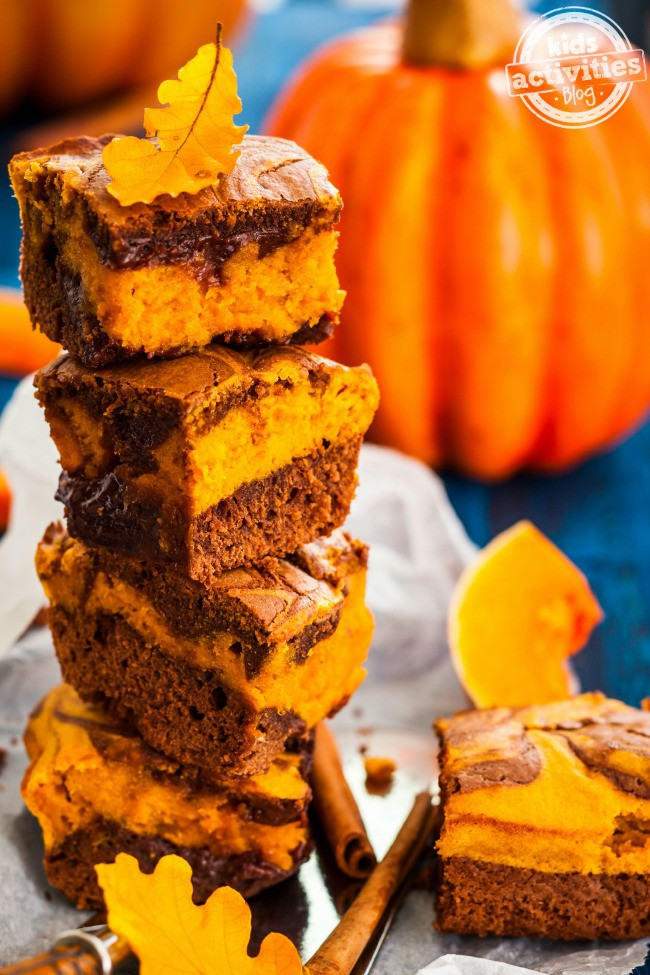 Halloween Brownies Recipes  Halloween Recipes Scream Cheese Brownies and Oreo Cookie Pops