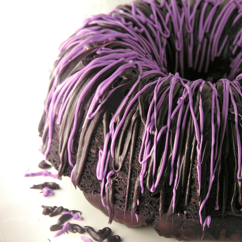 Halloween Bundt Cake  halloween dessert halloween bundt cake